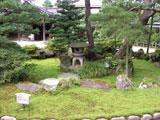 成巽閣の前庭(クリックで拡大)